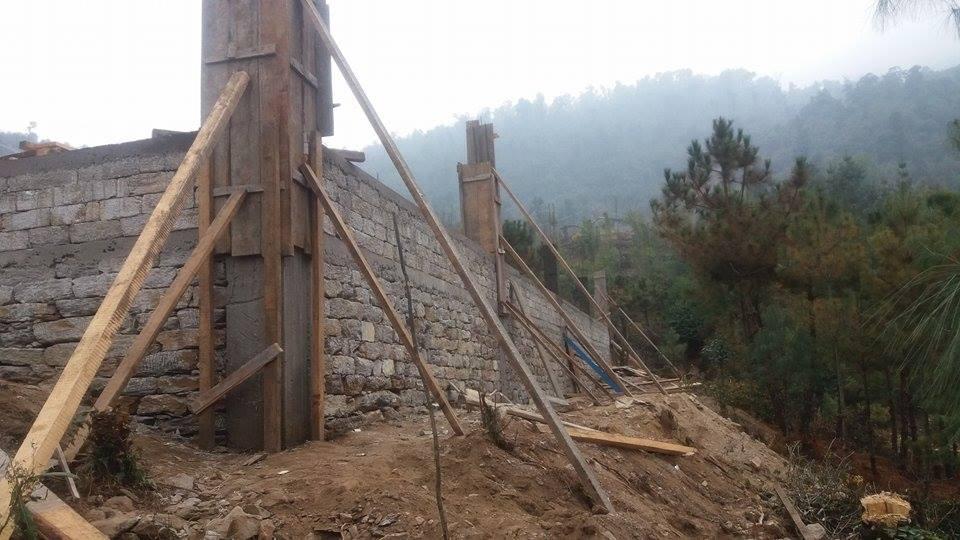 Nunthala: pilatro in cemento armato