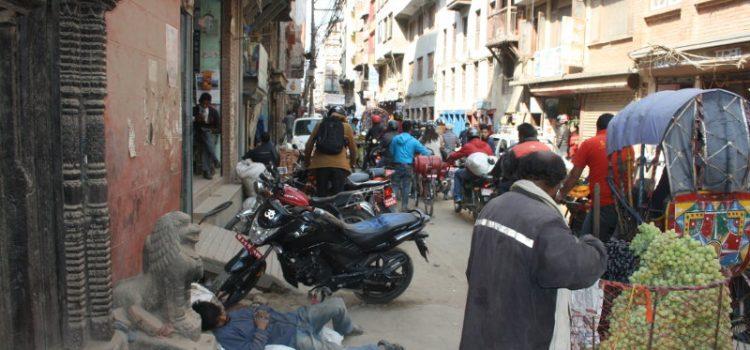 per le strade di kathmandu