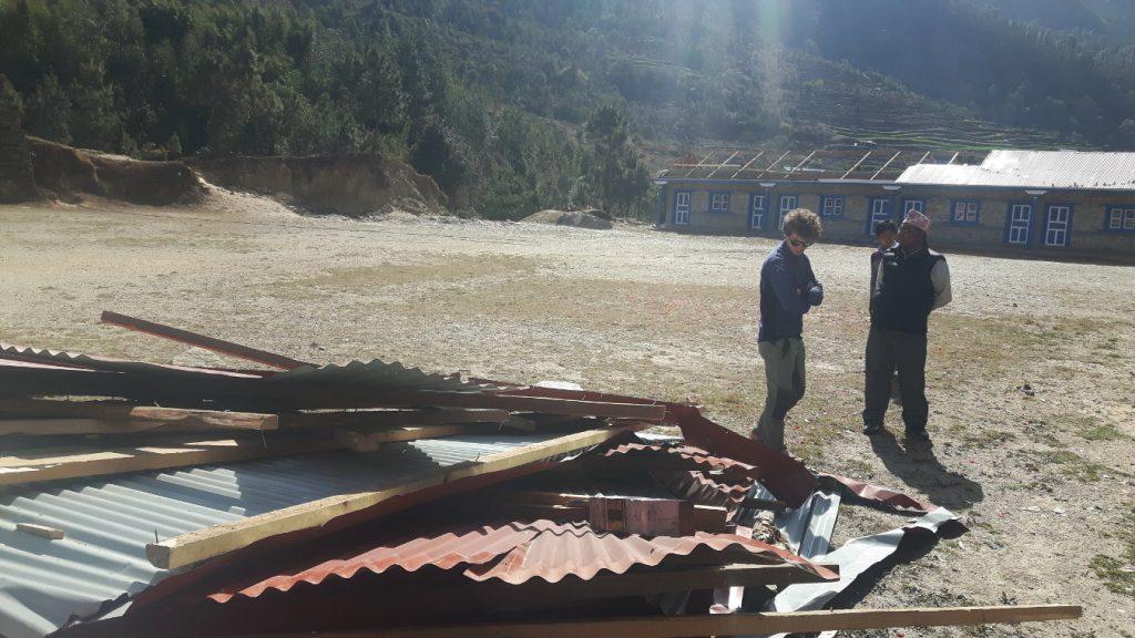 scuola-di-nunthala-danneggiata-dal-vento