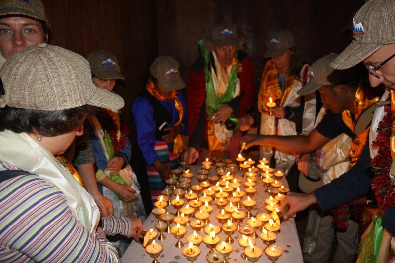 inaugurazione-nunthala-candeline-aula